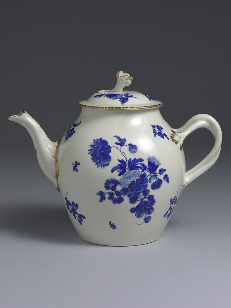 A very fine First Period Dr. Wall Worcester Teapot and Cover