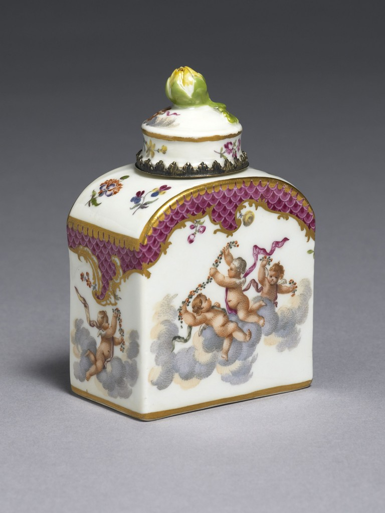 Small Meissen gilt-metal mounted Tea Caddy and Cover