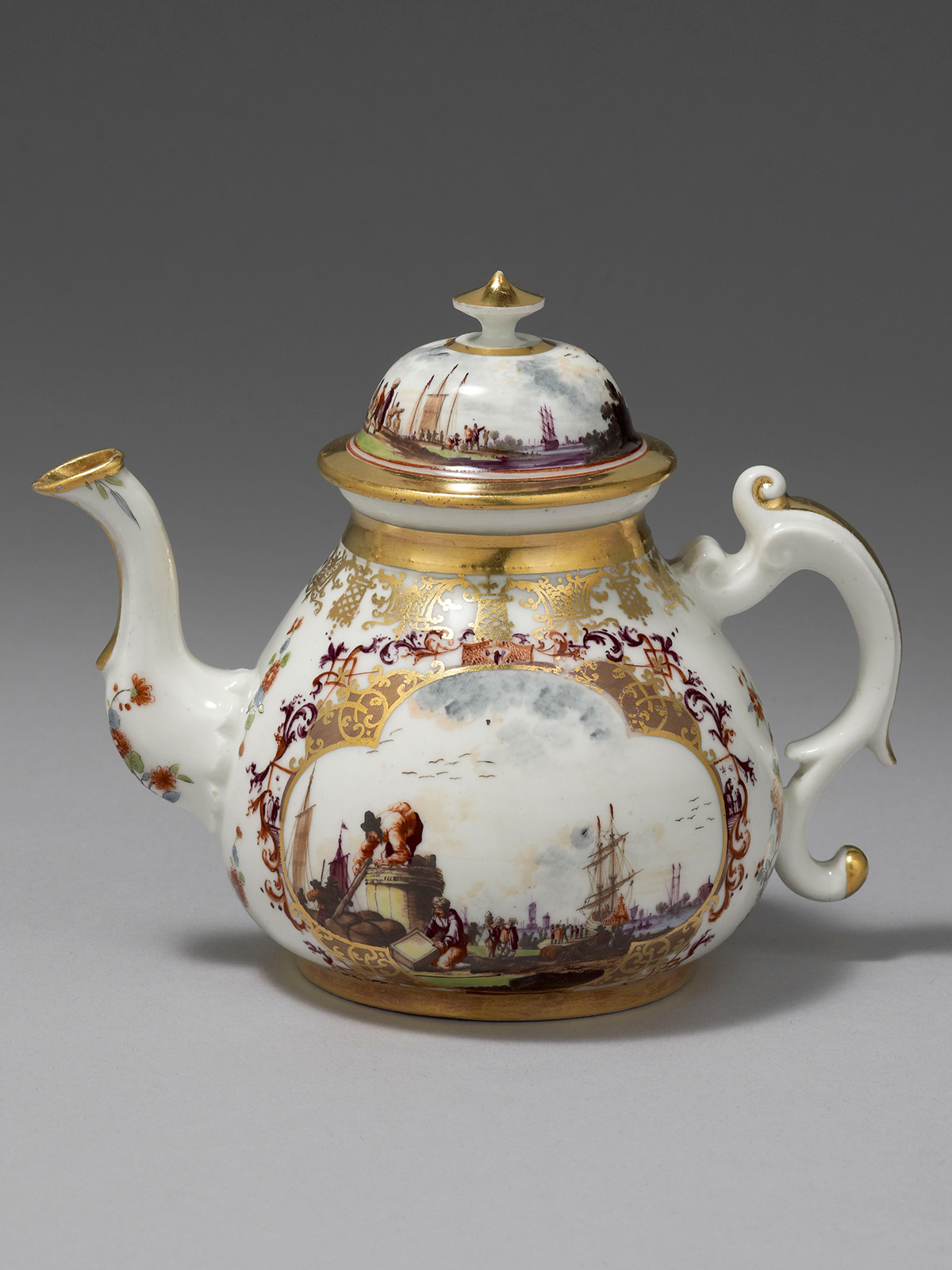 An extremely fine and Important Meissen Teapot and Cover