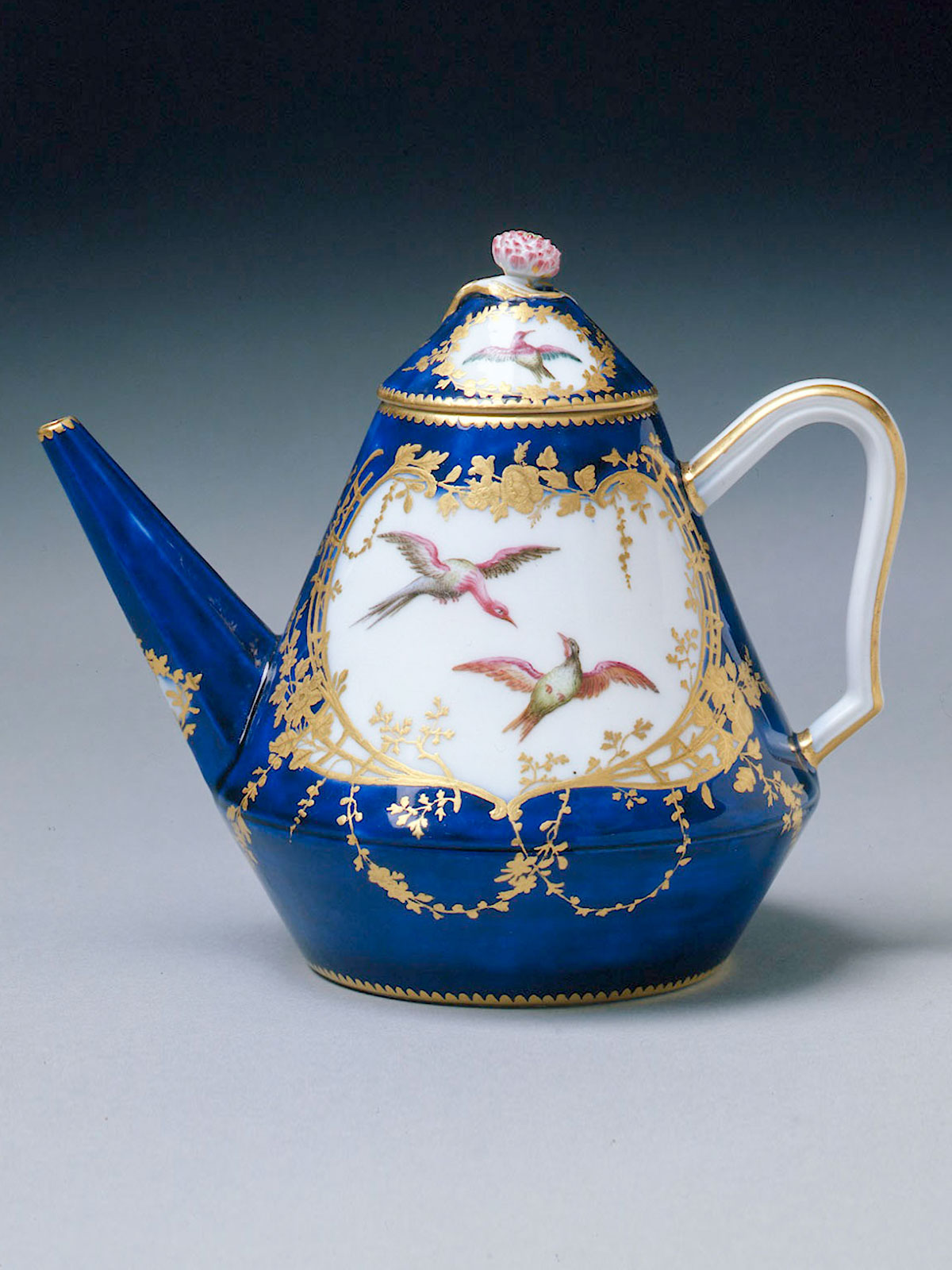 Vincennes Pyramid Shaped Teapot and Cover circa 1752