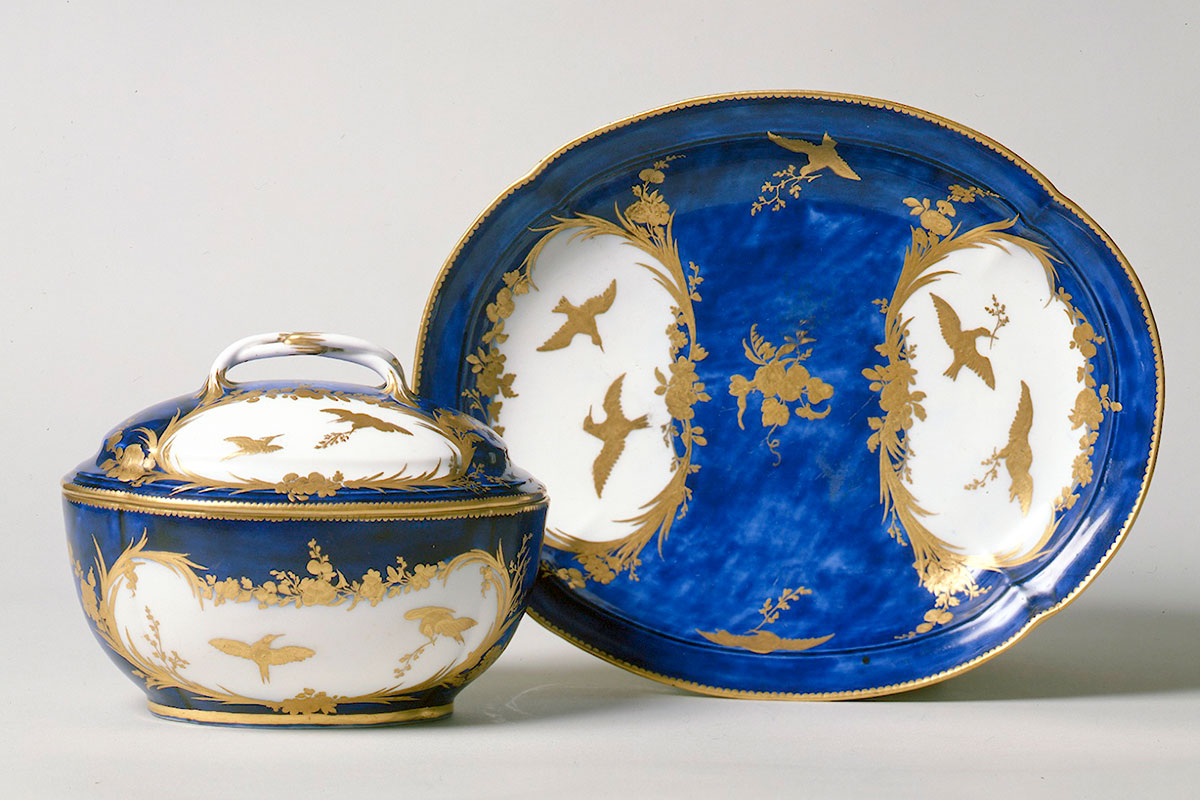 Vincennes Covered Bowl and Stand