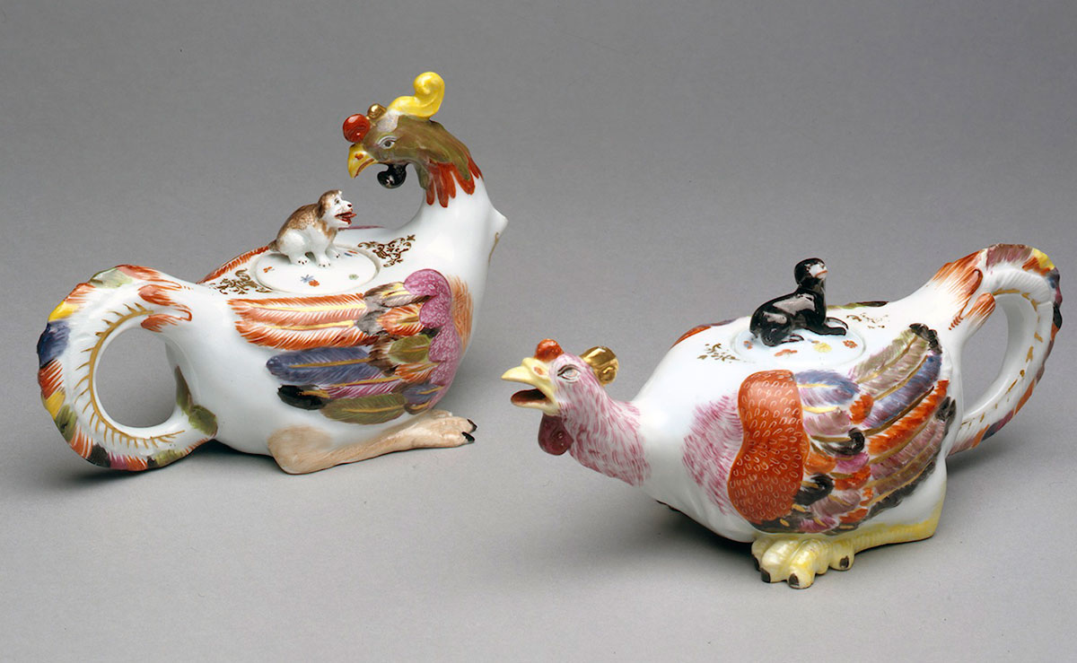 Pair of Meissen Cockerel Teapots and Covers circa 1725