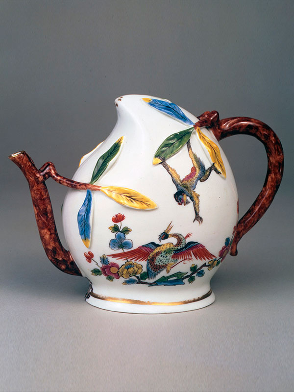 Meissen Cadogan Teapot of Peach Shaped Form, circa 1725-30