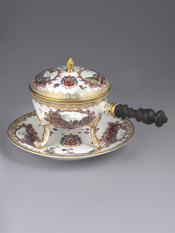Meissen Royal Armorial Chafing Dish, cover and Stand